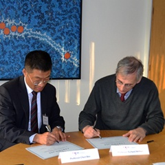 Prof. Chen Wei and Prof. Richard Mithen