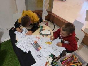 children exploring science through art